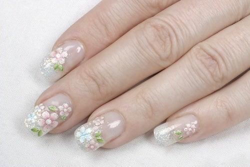 Por qué son populares las uñas acrílicas