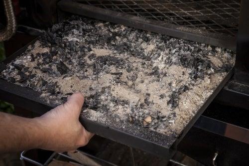 Ceniza de madera como repelente