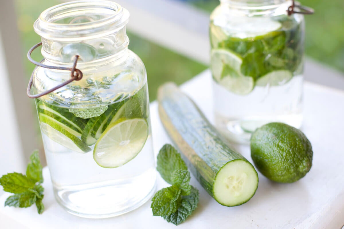 9 razones para beber agua de pepino todos los días