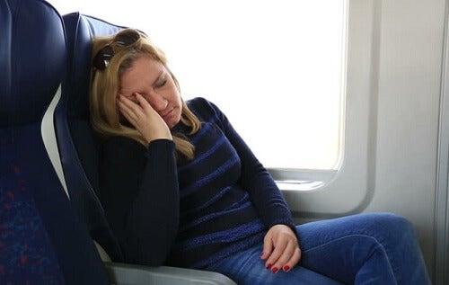 ¿Por qué nos da sueño después de comer y qué alimentos tienen la culpa de eso?