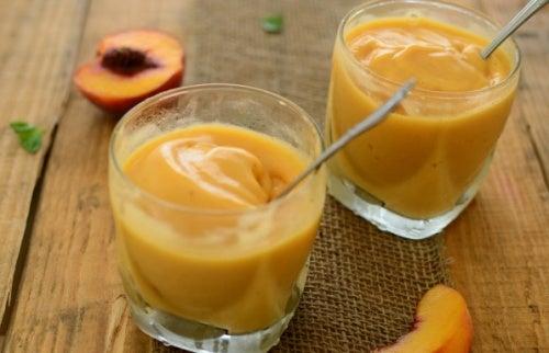 Beneficios del batido de melocotón y té verde