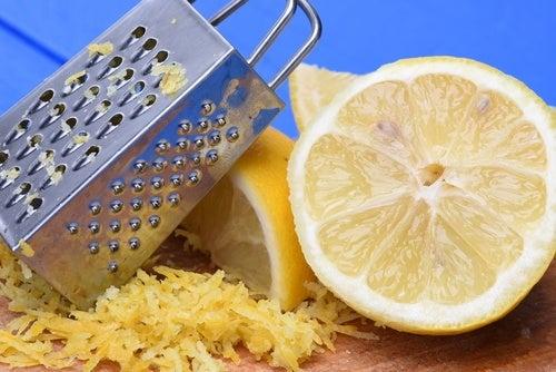 ¿Sabías que la cáscara de limón tiene muchos beneficios? ¡Descúbrelos!