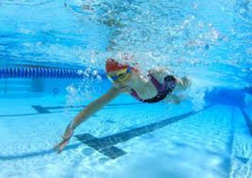 La natación ayuda a mejorar la salud
