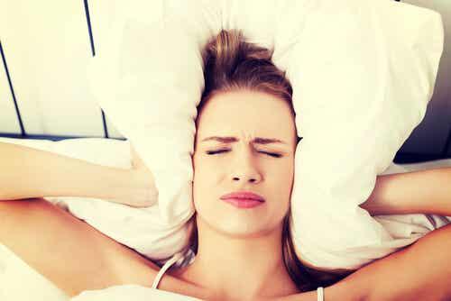 ¿Por qué me levanto con dolor de cabeza?