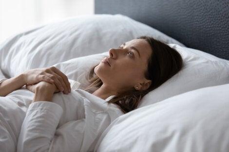 El estrés te está afectando más de la cuenta si no puedes dormir