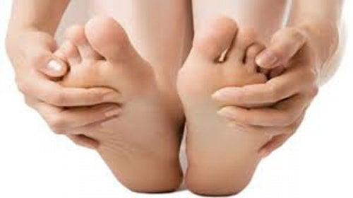 Aceite esencial de coco para unos pies hermosos