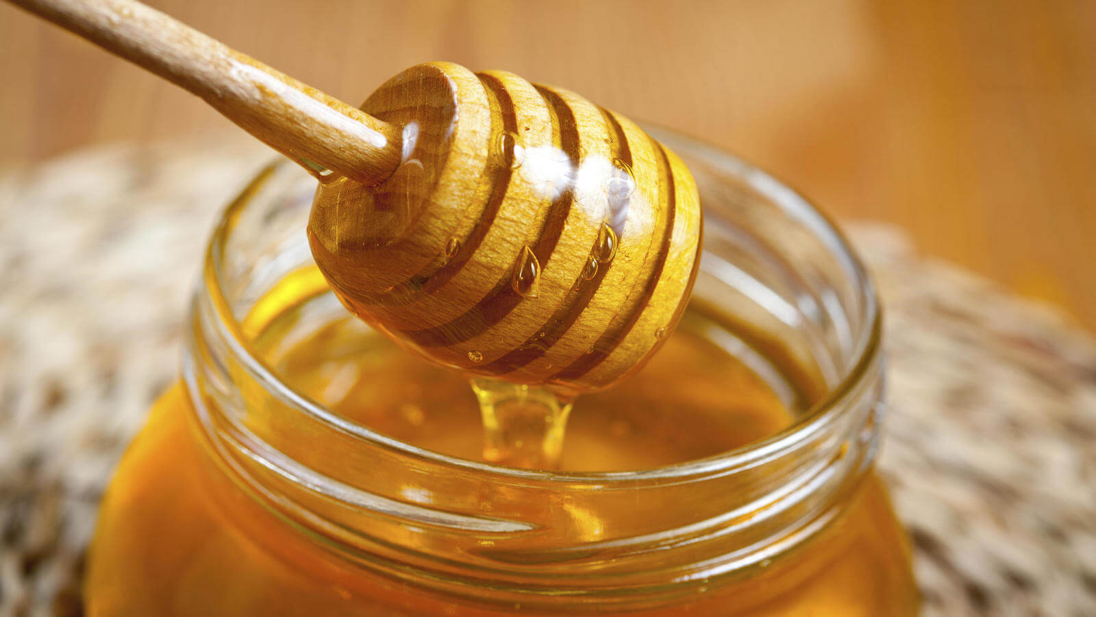 5 beneficios saludables que no conocías de la miel