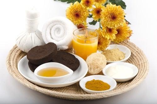 5. Mascarilla de cúrcuma y yogur