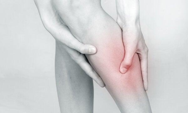 6 remedios naturales para aliviar la inflamación en las piernas