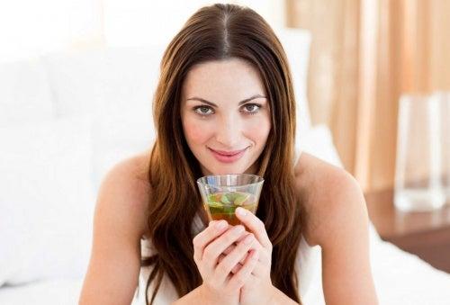 Beneficios de la limonada de té verde.