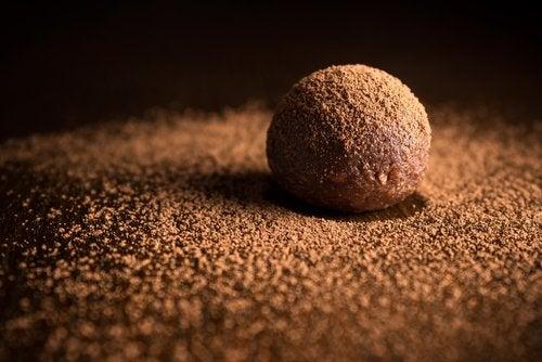 Bombones nutritivos de algarroba, avellana y coco
