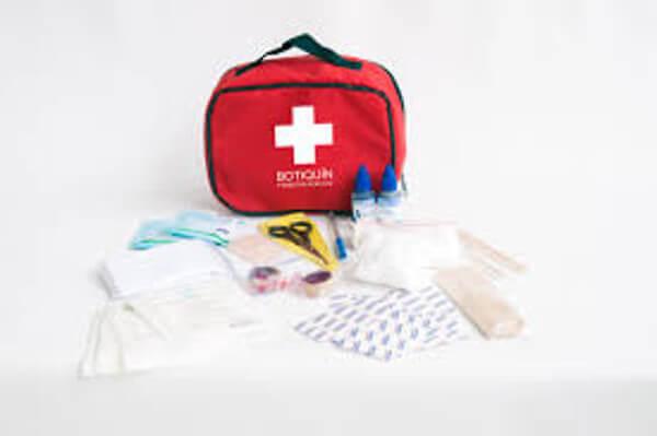 10 famosos trucos de primeros auxilios que el 90% de las personas hace mal