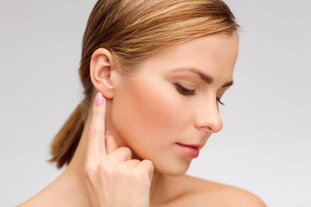Remedios naturales para retirar la cera de los oídos