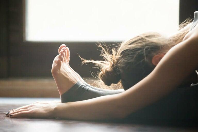 5 posturas para aliviar la ansiedad y el estrés