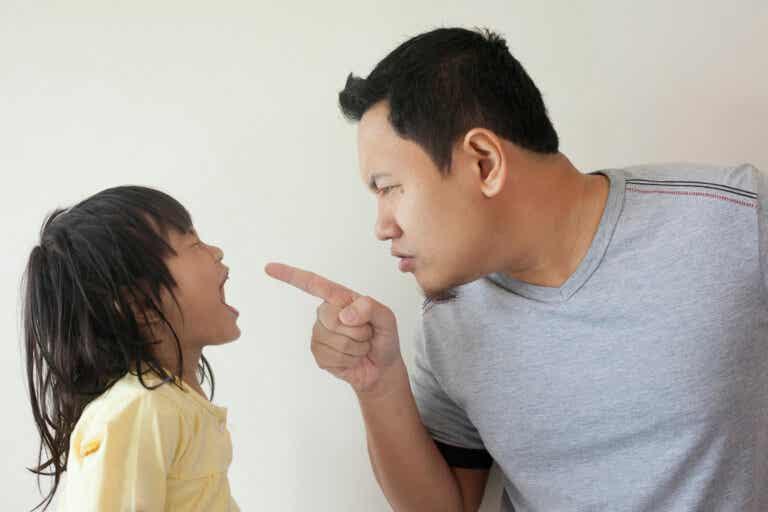 Educa con amor y no en la obediencia basada en el miedo y la severidad