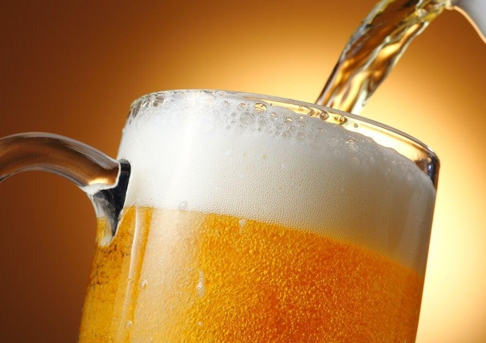 7 increíbles beneficios de la cerveza