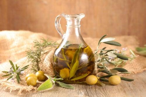 7 formas de usar aceite de oliva fuera de la cocina