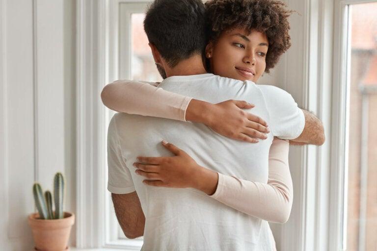 8 comportamientos de las parejas sanas al discutir