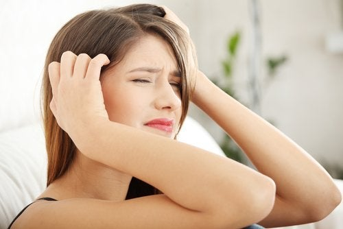Qué alimentos aumentan el dolor de cabeza