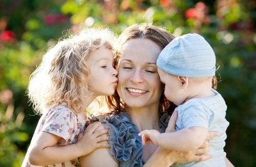 madre e hijos
