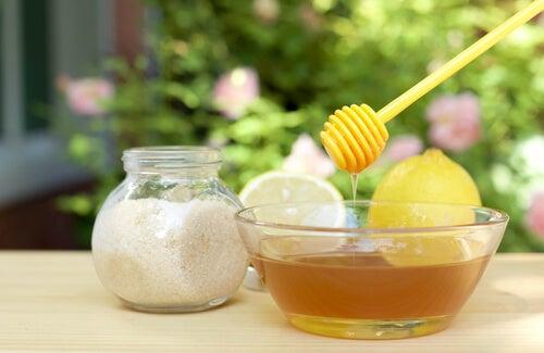 Miel o azúcar: ¿Sabes cuál es mejor?