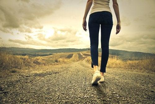 Caminar modifica tu cerebro cuando sufres depresión