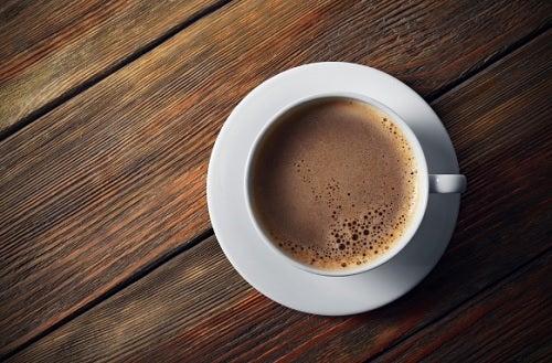 ¿Qué beneficios pueden aportarnos el café y el té?
