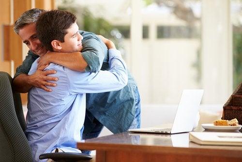Cuáles son los beneficios del abrazo