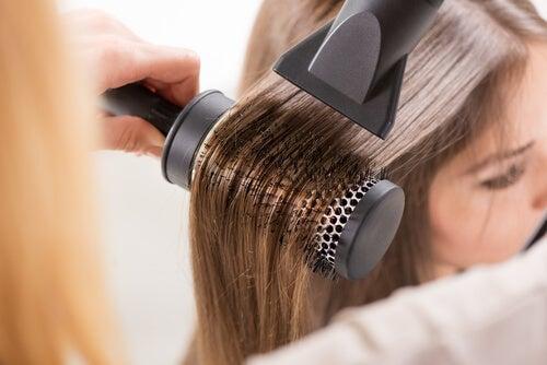 Uso de secador de pelo