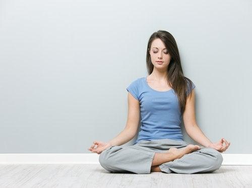 Mantener la postura correcta nos ayuda a hacer la vida más fácil