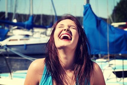 beneficios de reír