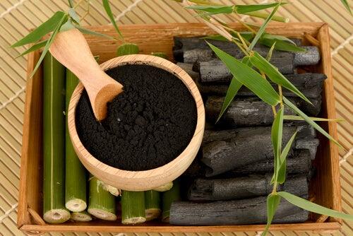 dentífrico casero de carbón vegetal