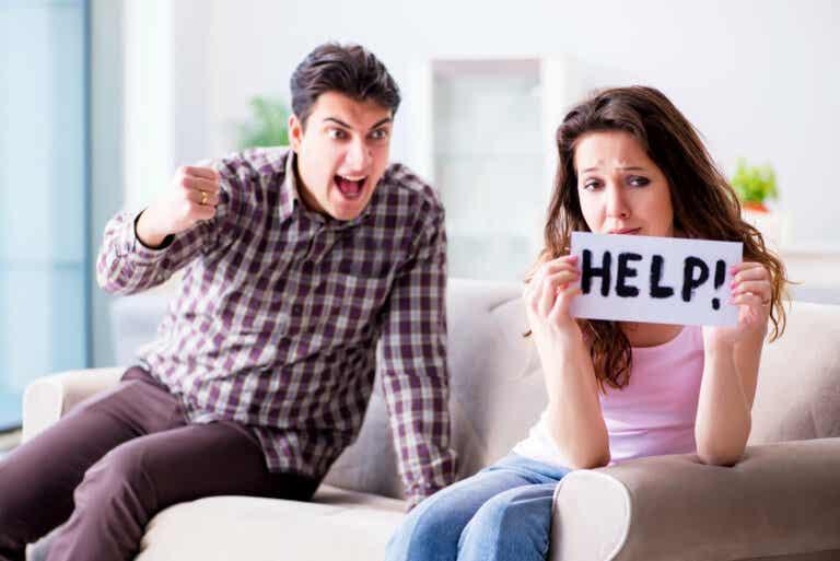 3 signos tempranos de las relaciones abusivas