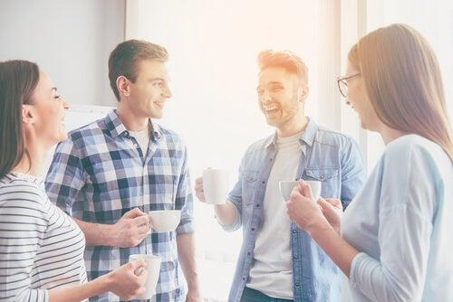 Felicidad en grupo de amigos