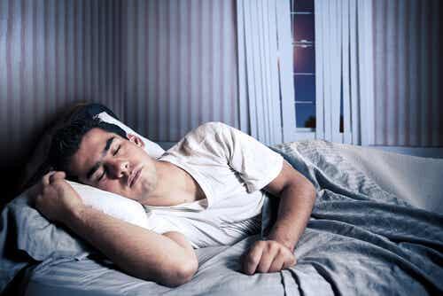 Beneficios de dormir bien para tu memoria