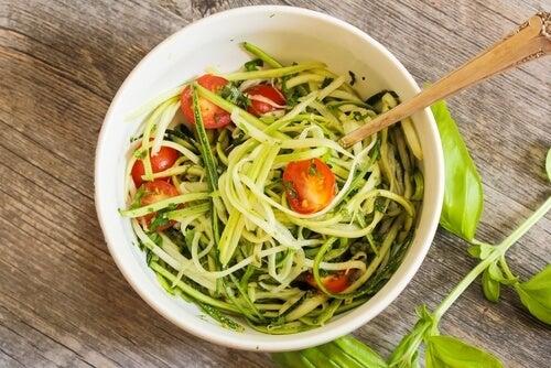 Plato de pasta de verduras