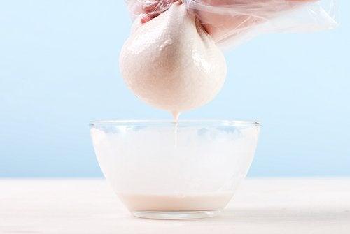 Cómo hacer la leche de almendras