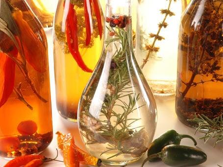 Cómo preparar vinagres medicinales en casa