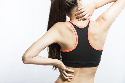 7 movimientos simples para aliviar los dolores musculares intensos