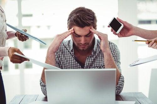 El estrés podría ser otra de las causas de la falta de apetito sexual