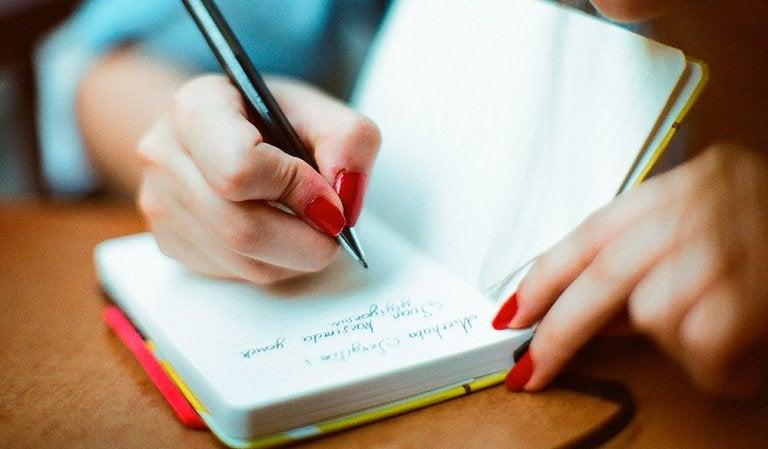 Llevar un diario: estrategia para un envejecimiento saludable