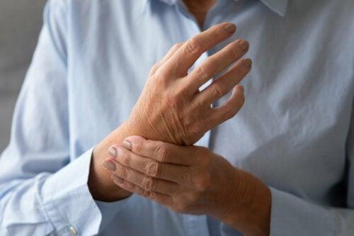 12 alimentos que ayudan en el tratamiento de la artritis