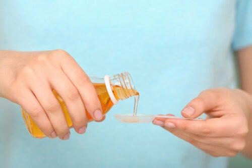 Jarabe expectorante natural con orégano, tomillo y miel