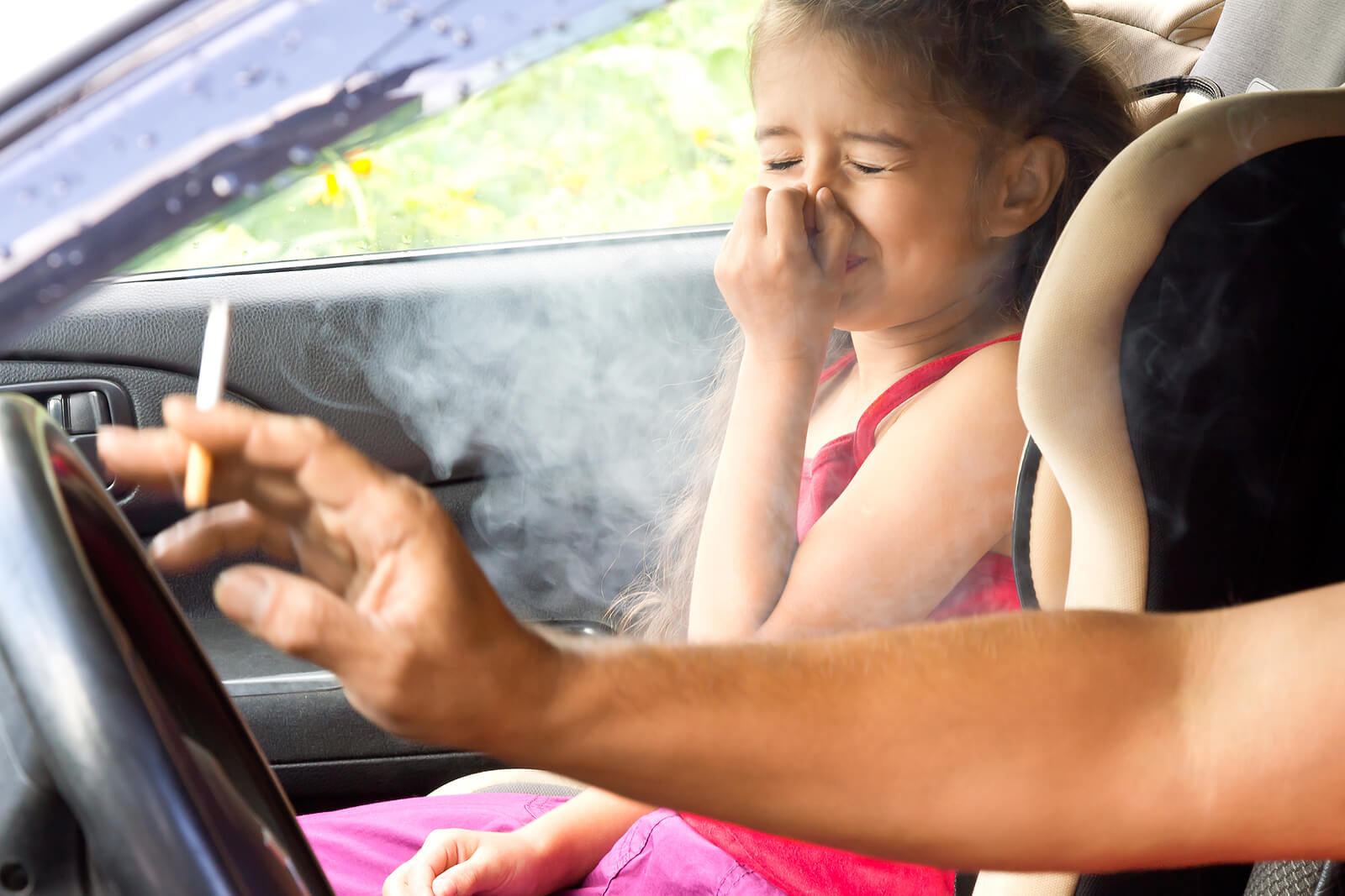 """Los peligros del """"humo de segunda mano"""": ¿qué estrategias podemos seguir?"""