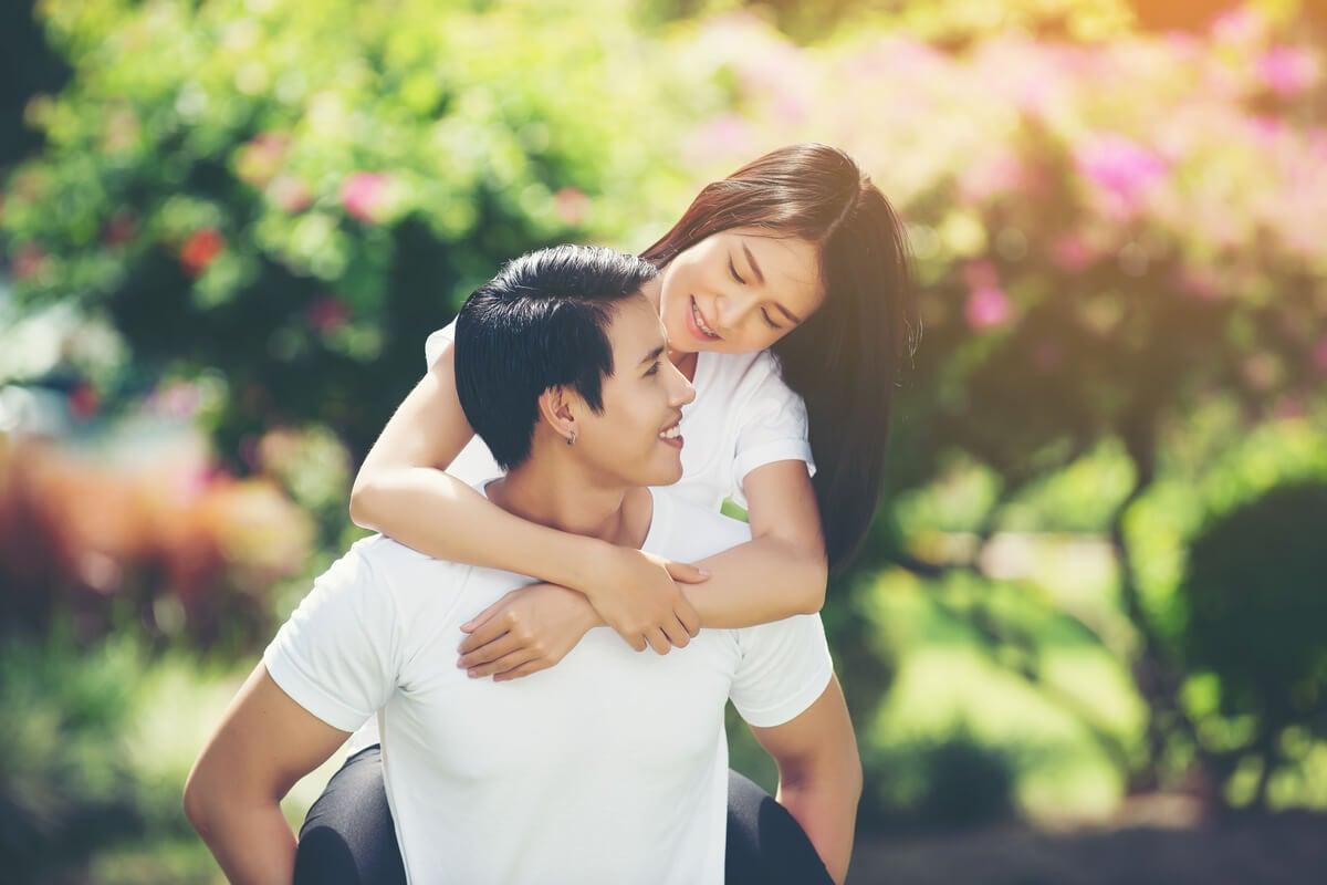 Un abrazo feliz es algo natural.