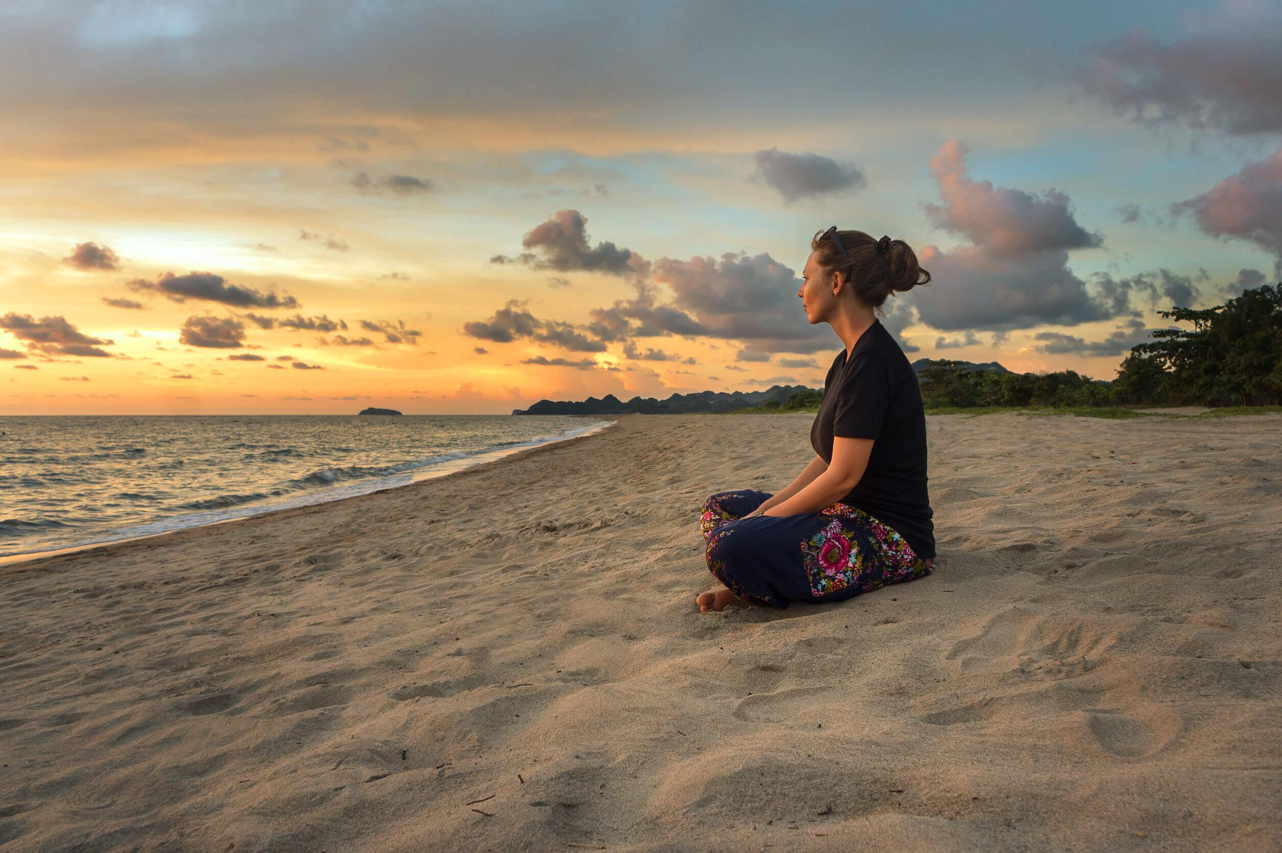 Los pasatiempos creativos incluyen meditar.