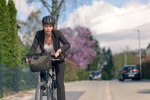 Montar en bicicleta