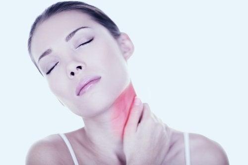 6 remedios caseros para tratar la tortícolis