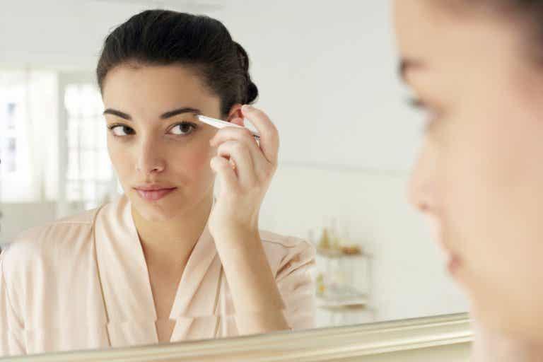 5 tratamientos naturales para engrosar las cejas