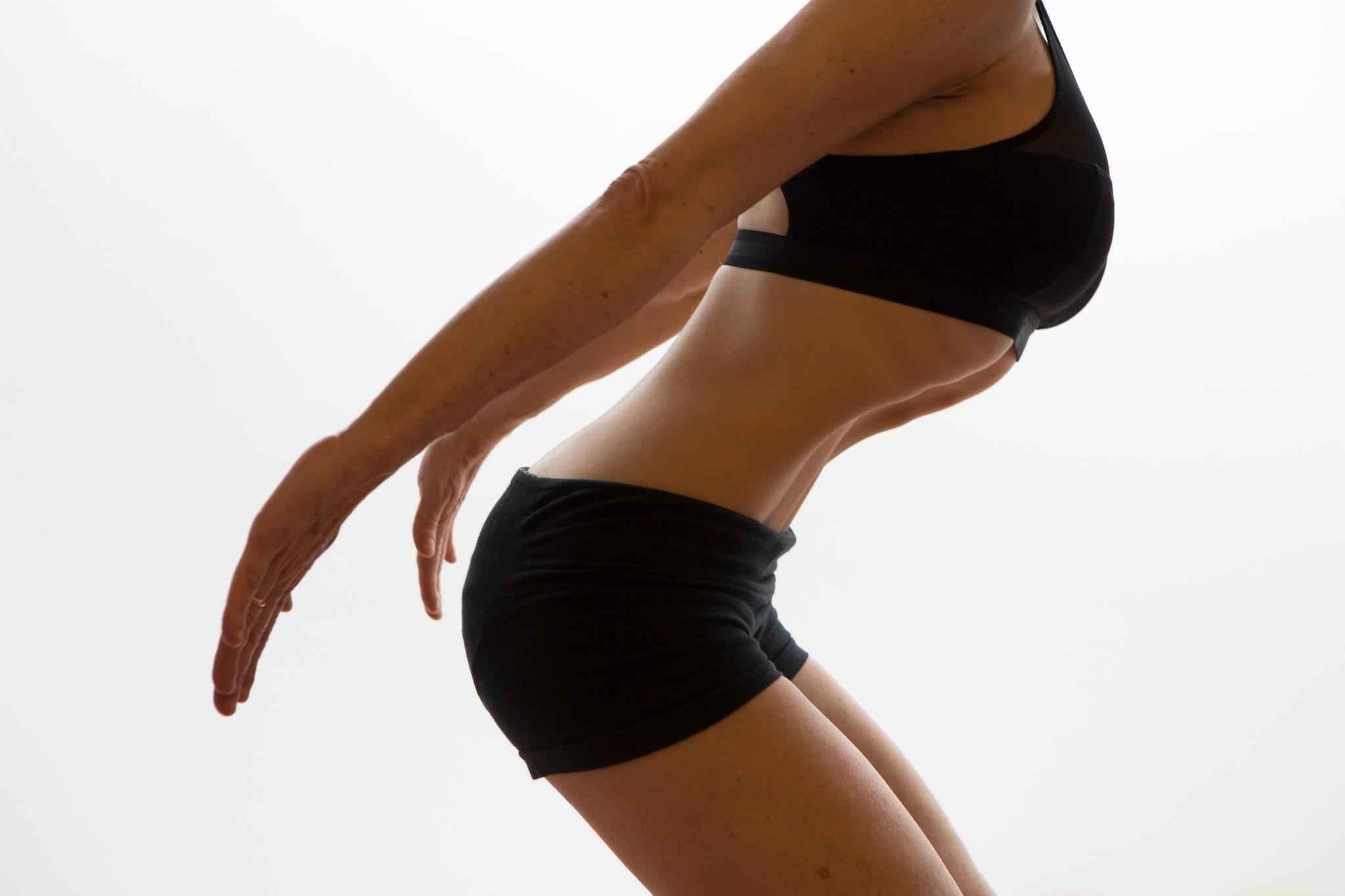 Aprende a hacer abdominales hipopresivos para lograr un vientre plano
